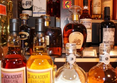 Rum collectie met Bielle, Blackadder en Caroni