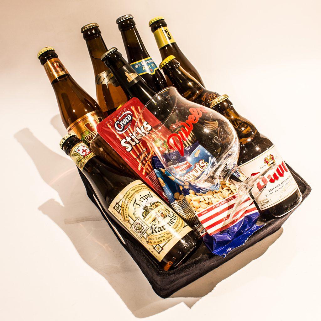 Zijden/Velvet biermandje met blonde bieren ter waarde van 25 euro