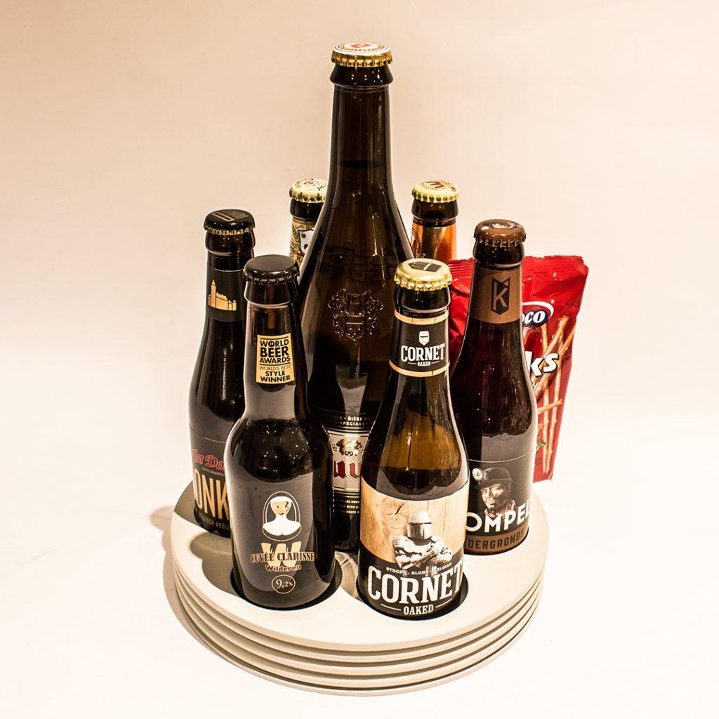 Biergeschenk met gemengde bieren en wat lekkers, ter waarde van 25 euro